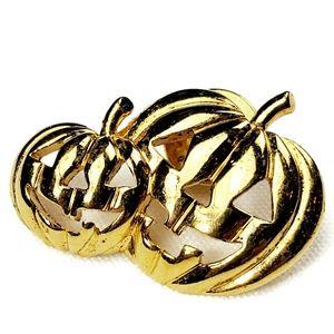 Jewelry - Gold  Jack-o'-lantern Lapel Pin